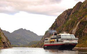 Trollfjord i Trollfjorden.